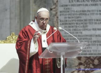 papa francesco, proprietà