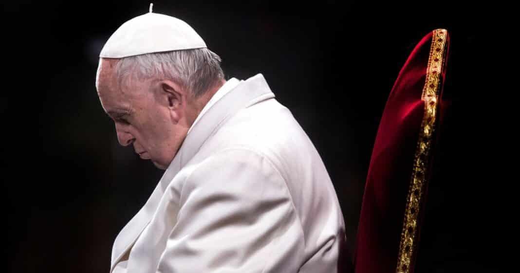 Papa Bergoglio vaccini
