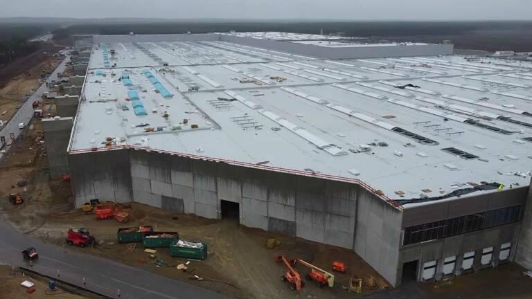Tesla, Gigafactory