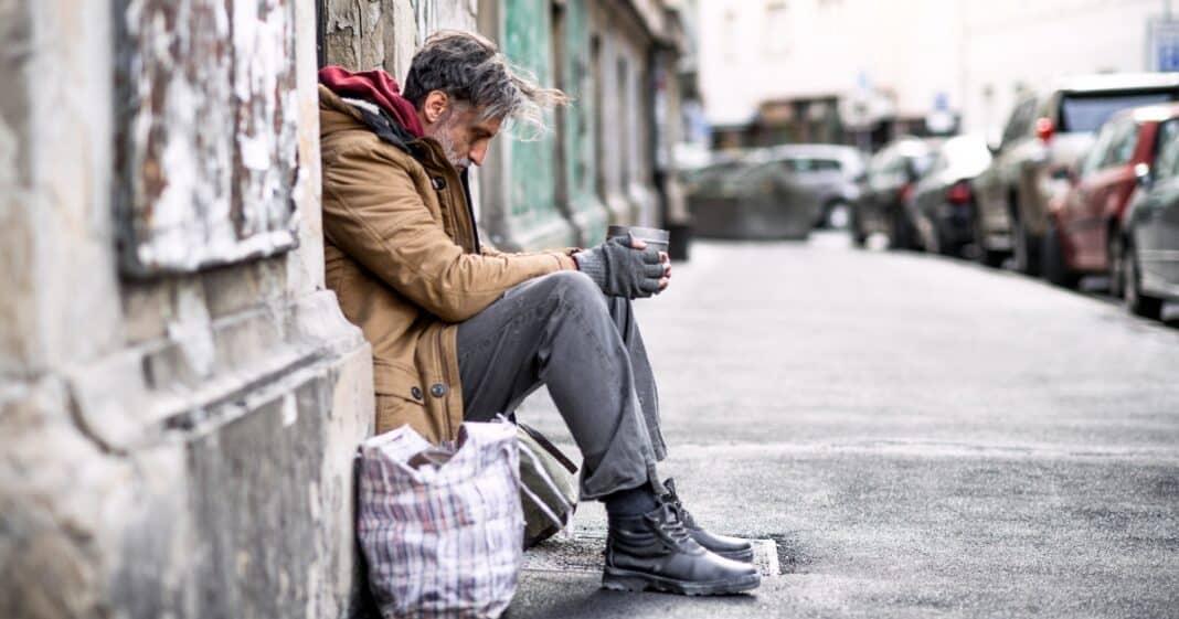 italiani poveri, dramma