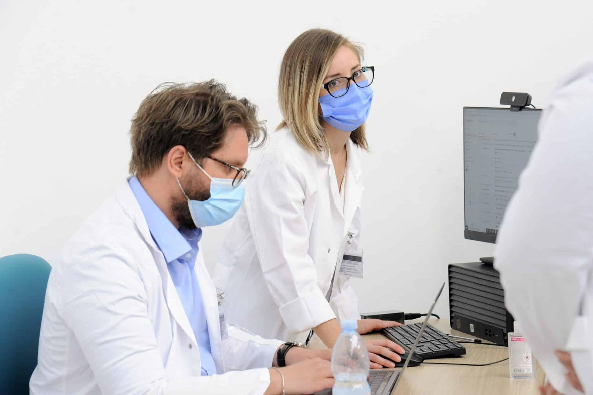 Operatori sanitari no vax, al via prime sospensioni dal lavoro