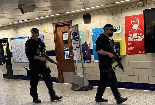 Londra, aggressione machete