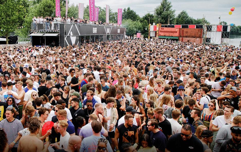 festival olanda 1.000 positivi