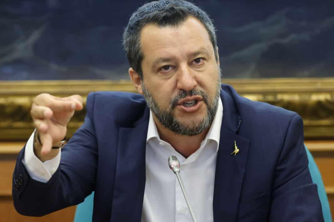 Voghera legittima difesa, Salvini