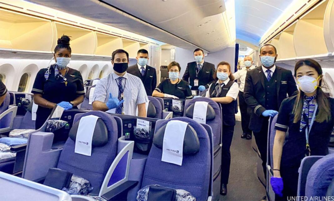 united airlines vaccino