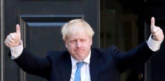 Perché Regno Unito dice no green pass, Johnson