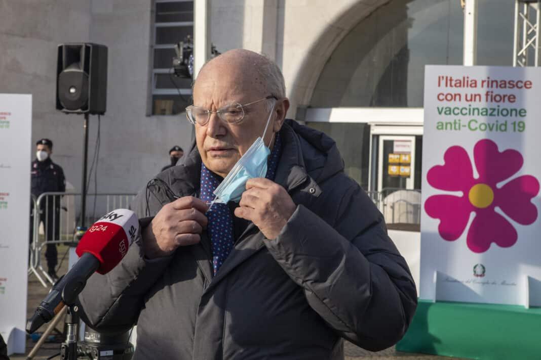 Massimo Galli indagato, virologo